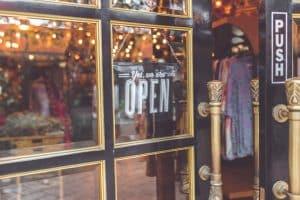 Vitrine d'un commerce boutique de vêtements